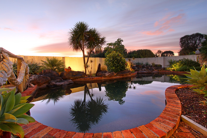 Poolside B&B accommodation