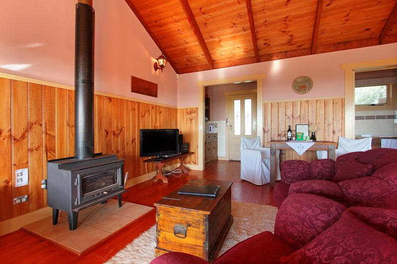 Settlers Cottage accommodation