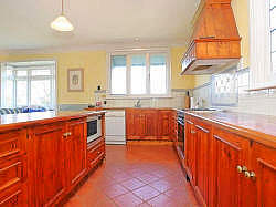 Large self cater kitchen
