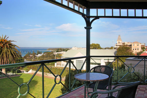Mornington Peninsula Accommodation with a difference!