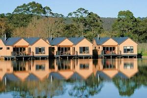 Lakeside Villas
