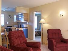 03 lounge room