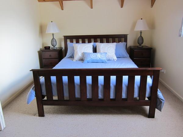 Loft queen bedroom