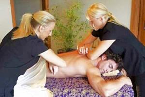 Polynesian Synchronised Massage