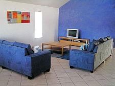 08 lounge room